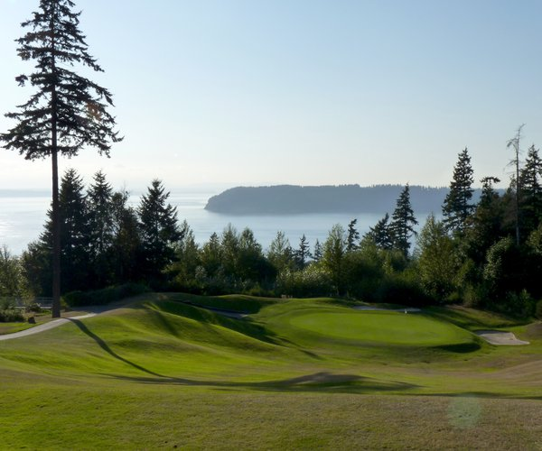 Photo of Harbour Pointe Golf Club